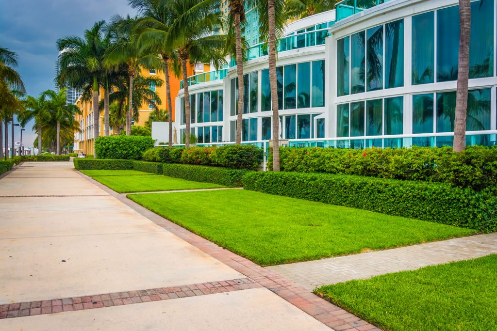 Commercial Lawn Care From Country Landscape and Supply